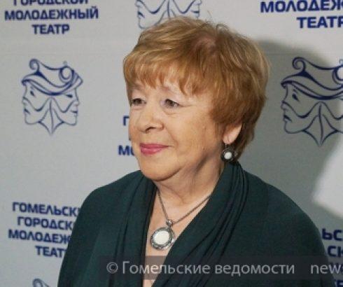 Юбилей актрисы Гомельского городского молодёжного театра Галины Широкшиной отметили капустником